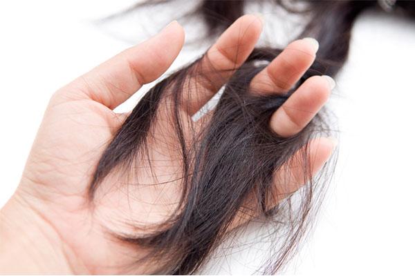 قیچی کردن مو