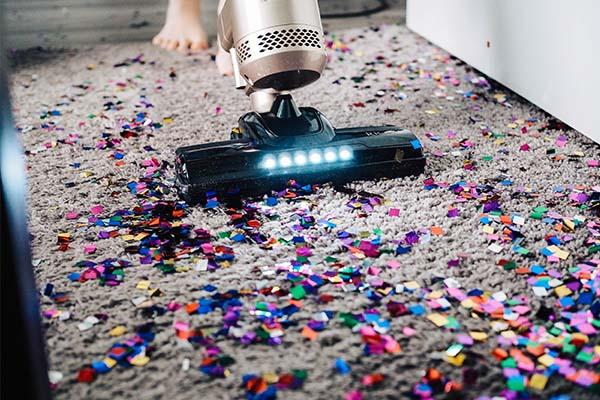 جارو کردن فرش