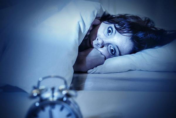 10 مورد از رایج ترین عوارض بی خوابی بر بدن